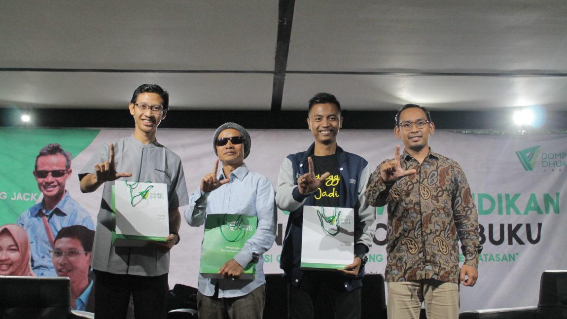 Refleksi Hari Guru Nasional, Dompet Dhuafa Jabar Launching Buku Kumpulan Essay Guru
