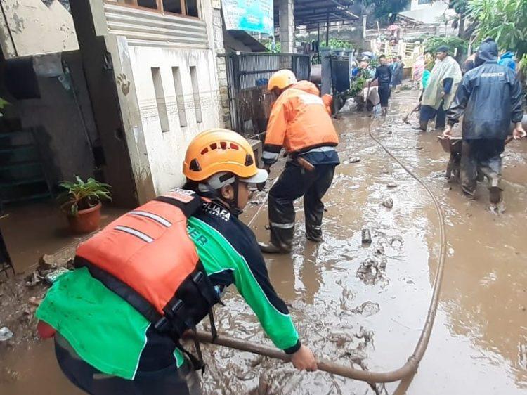 Dompet Dhuafa Jabar Respon Cepat Banjir di Kabupaten Bandung Barat
