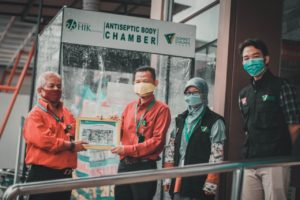 Read more about the article Dompet Dhuafa Jabar Bersama BPRS HIK Parahyangan Hadirkan Bilik Antiseptik di 3 Rumah Sakit Jawa Barat