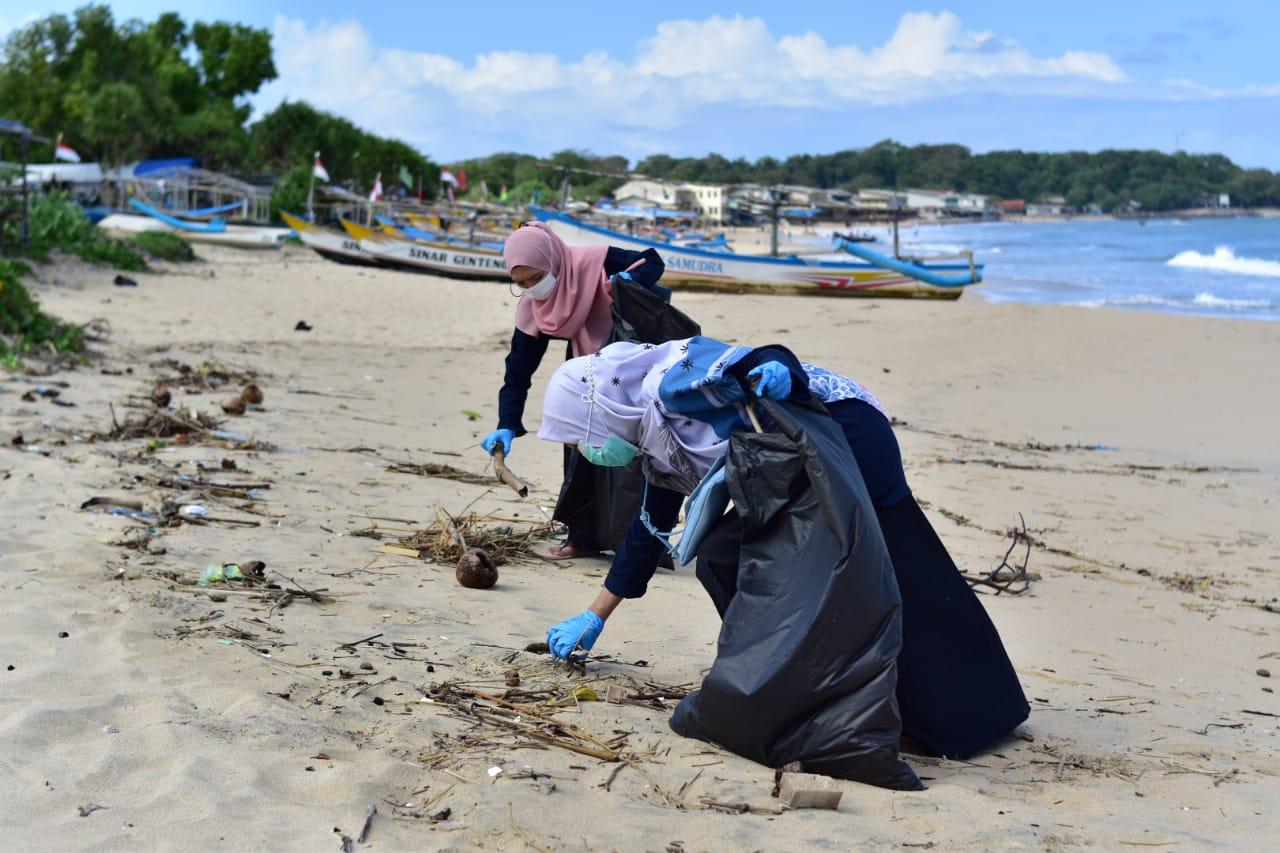 Read more about the article Dompet Dhuafa Volunteer Jabar Kumpulkan 325 kg Sampah Dalam Aksi World Clean Up Day